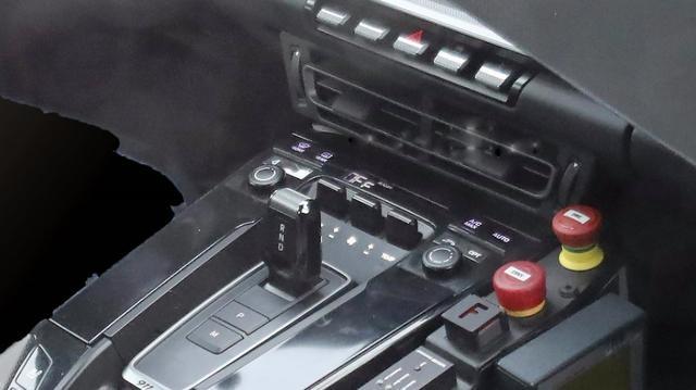 """新保时捷911内饰大曝光,近乎""""阳痿""""后的它还能一展雄风吗?"""