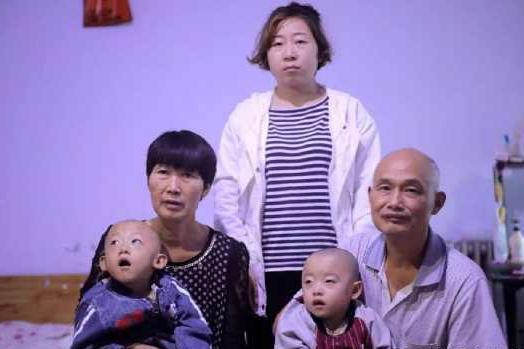 女子通过试管生出龙凤胎,孩子双双脑瘫无钱